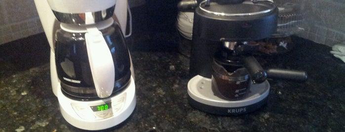 Coffee!! Coffee!!  Coffee!! is one of สถานที่ที่ Vincent ถูกใจ.