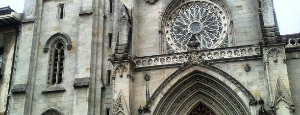 Catedral de Santiago de Bilbao is one of Louise'nin Beğendiği Mekanlar.