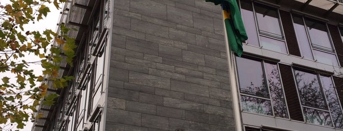 Brasilianische Botschaft is one of Lugares favoritos de Cristi.