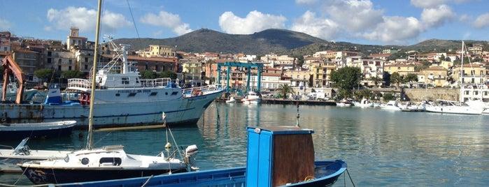 Porto Marina di Camerota is one of Orte, die Fabio gefallen.