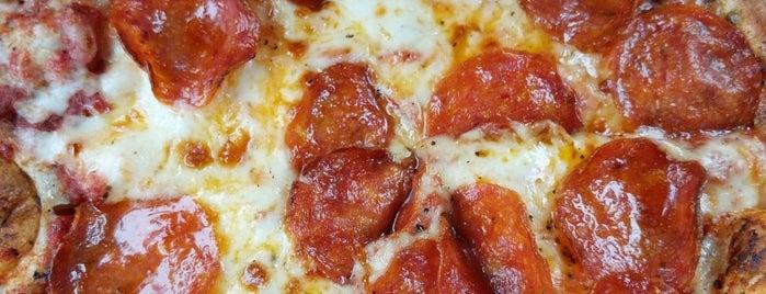 Uncle Maddio's Pizza is one of Miguel'in Beğendiği Mekanlar.