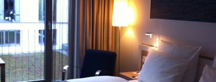 Dorint Hotel Hamburg-Eppendorf is one of Lieux qui ont plu à Jan-Dirk.