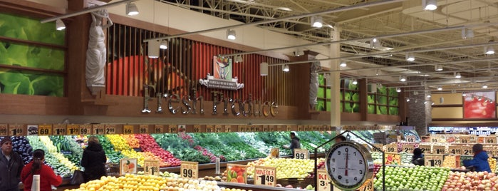 Cermak Fresh Market is one of John 님이 좋아한 장소.