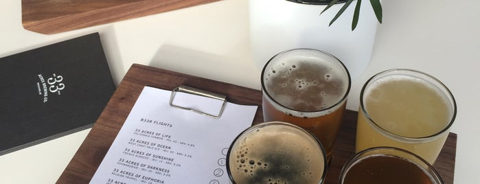 33 Acres Brewing Company is one of Sevgiさんの保存済みスポット.