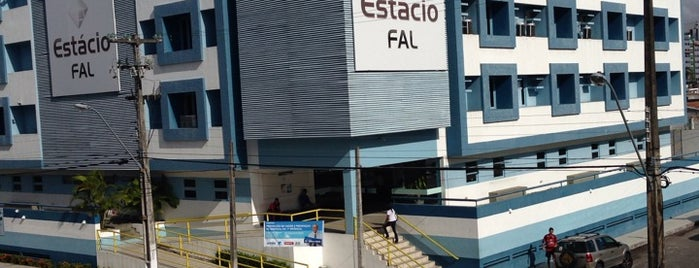 Estácio | FAL - Faculdade de Alagoas is one of Maria Bernadeteさんのお気に入りスポット.