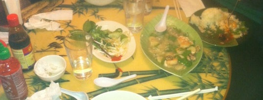 Pho Dong Huong is one of Posti salvati di Chip.