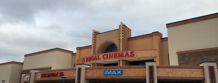 Regal Winrock IMAX & RPX is one of Estevan 님이 좋아한 장소.
