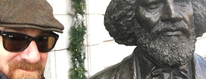 Frederick Douglass Statue - New-York Historical Society is one of Posti che sono piaciuti a Will.