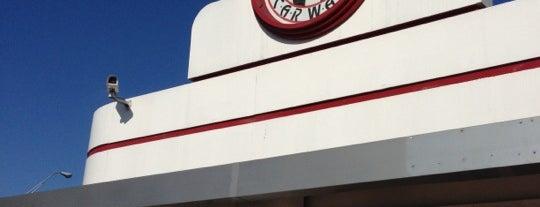 Circle Marina Hand Car Wash is one of Gespeicherte Orte von PinkStarr.