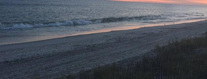 Cherry Grove Beach is one of Lieux qui ont plu à Gabbie.
