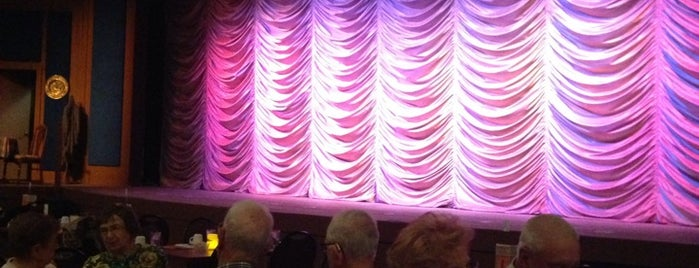 The Palms Theatre is one of Posti che sono piaciuti a Mario Trejo.