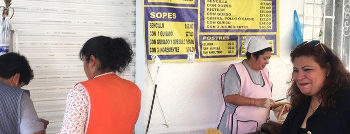 Quesadillas Pau is one of Tempat yang Disukai alejandro.