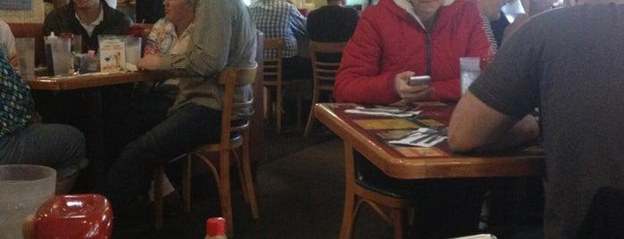 Sunshine Cafe is one of Posti che sono piaciuti a Gary.