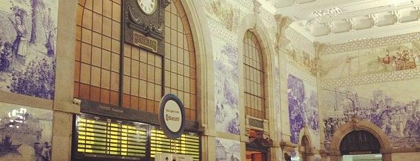 Estação Ferroviária de Porto-São Bento is one of Die schönsten Bahnhöfe der Welt.