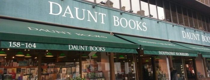 Daunt Books is one of Lugares guardados de Nina.