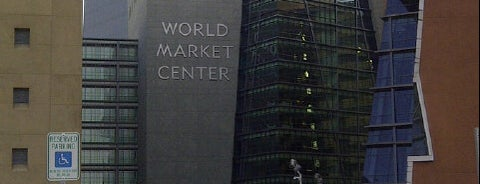 World Market Center is one of Jhalyvさんのお気に入りスポット.