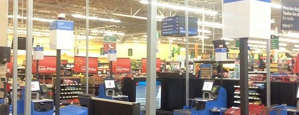 Walmart Supercenter is one of Mayra Alejandra : понравившиеся места.