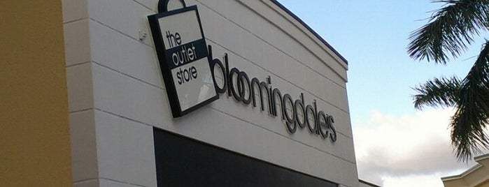 Bloomingdale's - The Outlet Store is one of A.R.T : понравившиеся места.