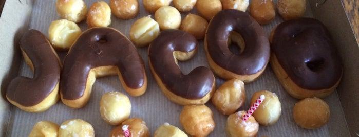 Liv's Donuts is one of Locais salvos de Kelsey.