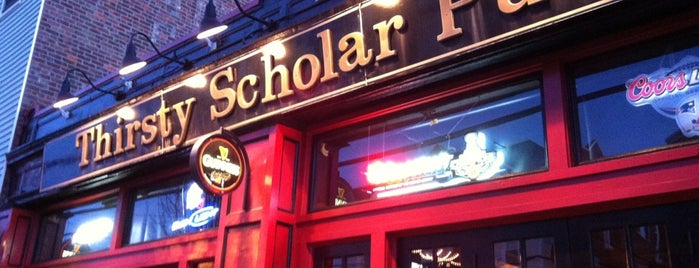 Thirsty Scholar Pub is one of Lugares favoritos de Julian.