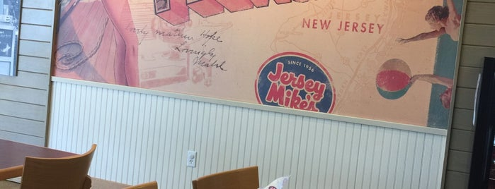 Jersey Mike's Subs is one of Posti che sono piaciuti a Kevin.