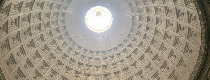 Basilica Reale S. Francesco di Paola is one of Int'l Random Places.