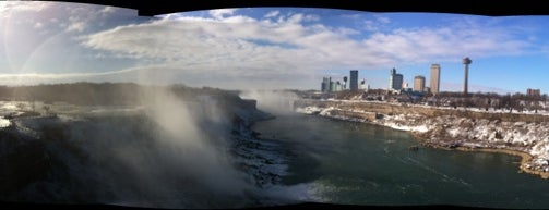 Niagara Falls State Park is one of Cool places in NY (upstate).