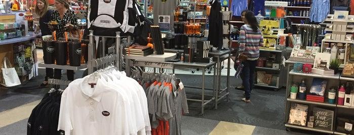 The Company Store is one of Locais curtidos por Helen.