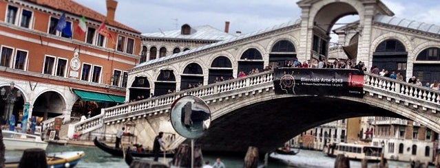 Ponte di Rialto is one of World Heritage Sites List.
