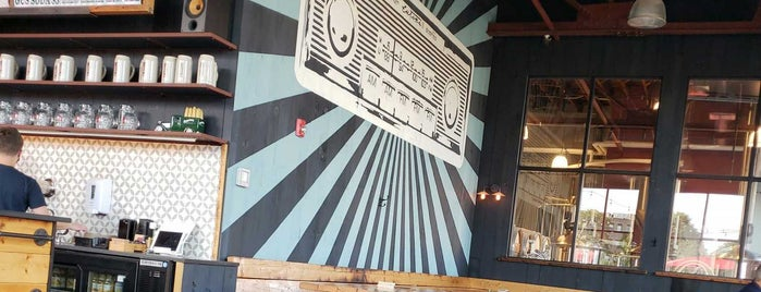Notch Brewery & Tap Room is one of Tempat yang Disukai Al.