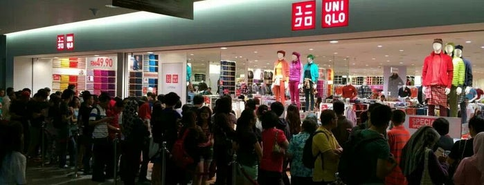 UNIQLO (ユニクロ) is one of malaysia/KL.
