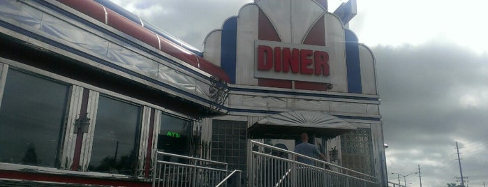 Crystal Diner is one of Foodie NJ Shore 1.
