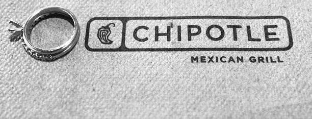 Chipotle Mexican Grill is one of Lugares favoritos de Ryan.
