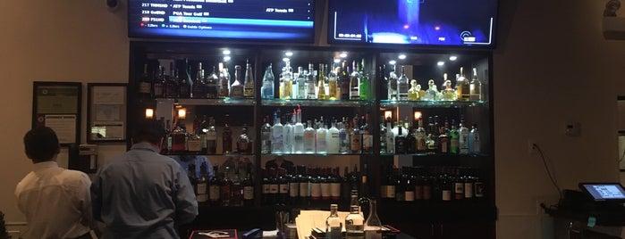 Kouzina Greek Kitchen & Bar is one of สถานที่ที่ Mark ถูกใจ.