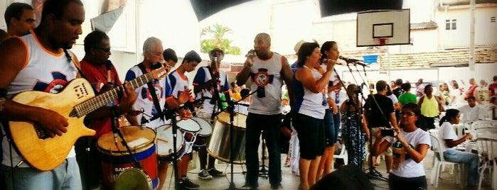 G.R. Cacique de Ramos is one of Para um dia de praia no Rio.
