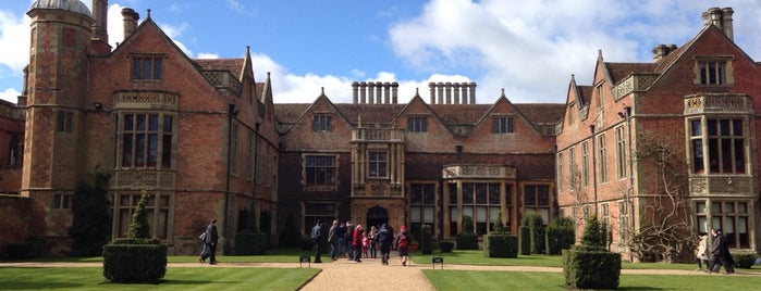 Charlecote Park (NT) is one of Carlさんのお気に入りスポット.