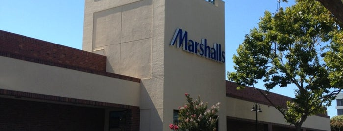 Marshalls is one of Tempat yang Disukai Chris.