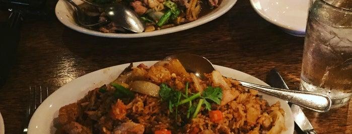 Phuket Thai Restaurant is one of Gespeicherte Orte von D.