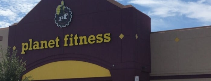Planet Fitness is one of Locais curtidos por Amanda.