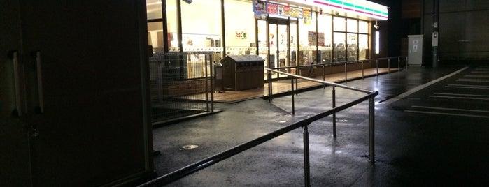 7-Eleven is one of Orte, die Shigeo gefallen.
