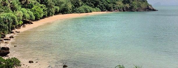Moo Koh Lanta National Park is one of Go to Lanta. Be Bamboocha..