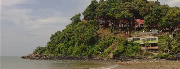 Kantiang Bay is one of Go to Lanta. Be Bamboocha..