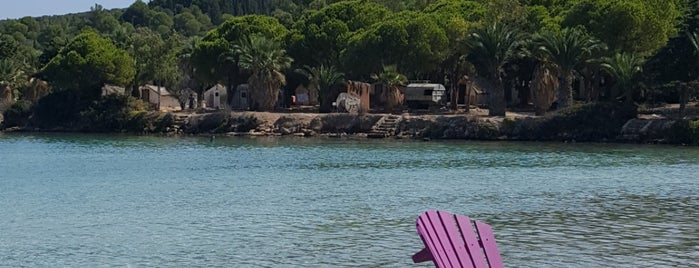 Quente Beach Club is one of สถานที่ที่ Staar 🌟★🌟 ถูกใจ.