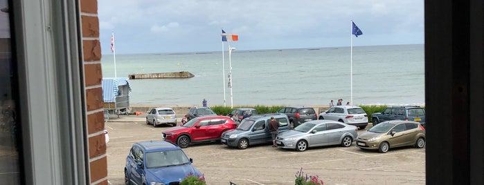 Hotel De Normandie is one of Lugares favoritos de Thomas.