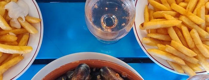 La Cave Aux Moules is one of Restaurantes pendientes.