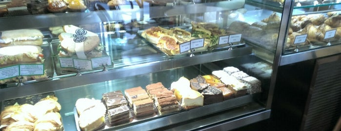 Francoiś Pastries is one of My Places.
