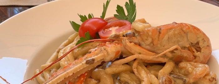 Le Chalet de la Forêt is one of Posti che sono piaciuti a oslem 🐇.