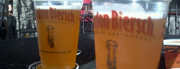 Gordon Biersch Brewery Restaurant is one of Locais curtidos por Clair.