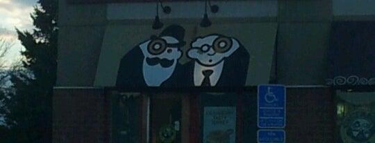 Einstein Bros Bagels is one of สถานที่ที่ Alan ถูกใจ.