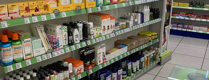 Farmacia San Pablo is one of Richardさんのお気に入りスポット.